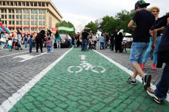 A bike lane in Tbilisi? It was not long lasting, but only for this special day. As there were many pedestrians, it was not really possible to ride a bike.